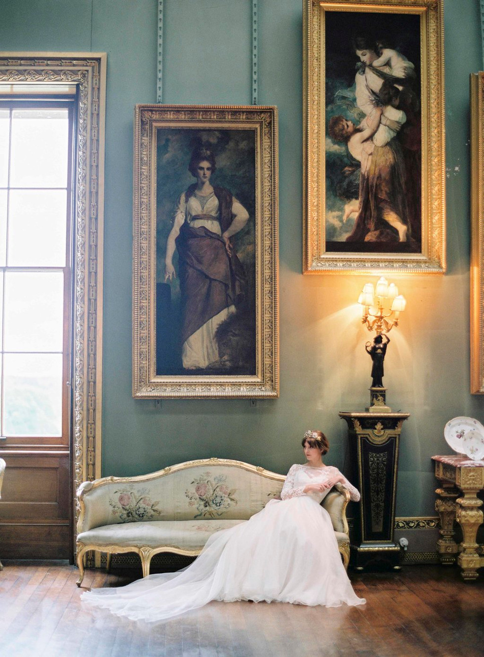 FADED ROMANCE - English Country House wedding inspiration shoot