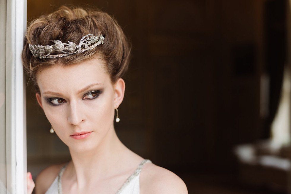 NEW TERRITORY: THE UNFAMILIAR LANDSCAPE OF BRIDAL HEADPIECES: THE TIARA.