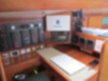 Tavolo da carteggio ed elettronica di bordo