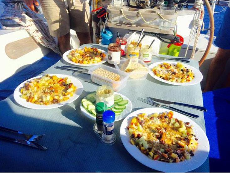 LUAR 040: ampio tavolo in pozzetto