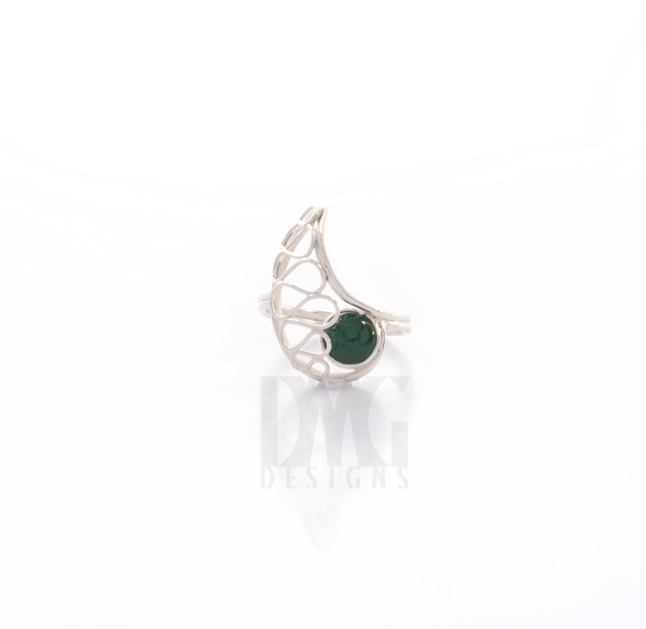 Green Onyx Gesture Nautilus Wirework Ring