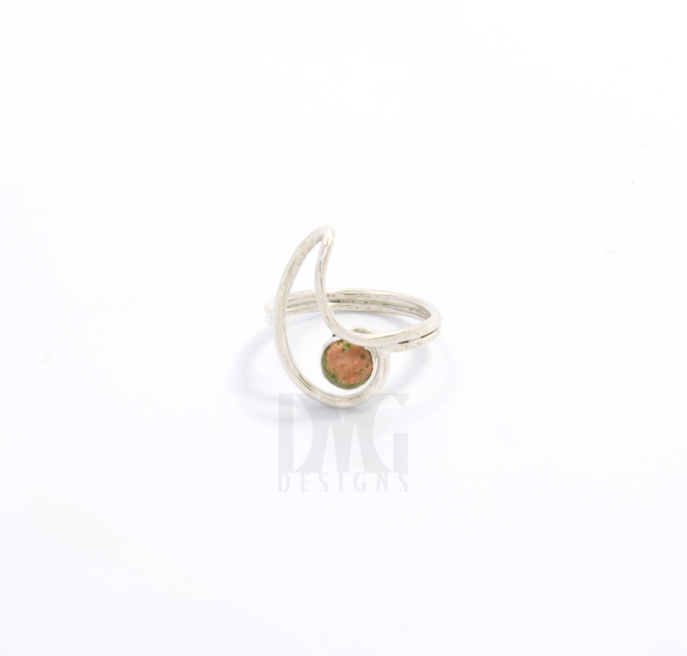 Unaite Gesture Nautilus Ring