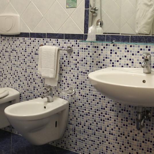 bagno camera nascente.jpg