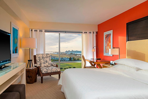 Deluxe Room - 2ppl Room + 5ppl VIP Table & Alcohol Voucher