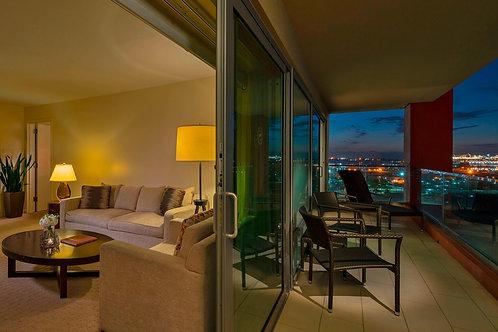 Bayview Suite - 4ppl Room + 5ppl VIP Table & Alcohol Voucher