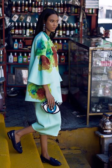 A la Moda Magazine