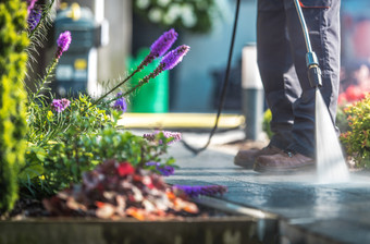 garden-cleaning-time-97SJL3Q.jpg