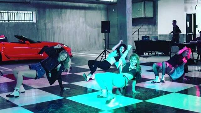 Just a lil fun clip of our crazy fun times @the5550apts with Tap That Team. . @sydneyrenae2 @jeze23 @emgrosjean @tellinalee @gene_freeman . . . #gig #booking #tapdance #tapthat #crew #squad #tapfam #love #tapshoes #costumes #cars #corporateevents #ta