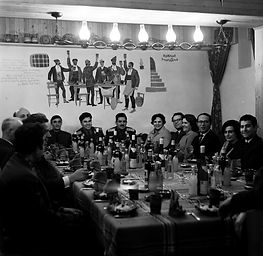 03-Party-.jpg