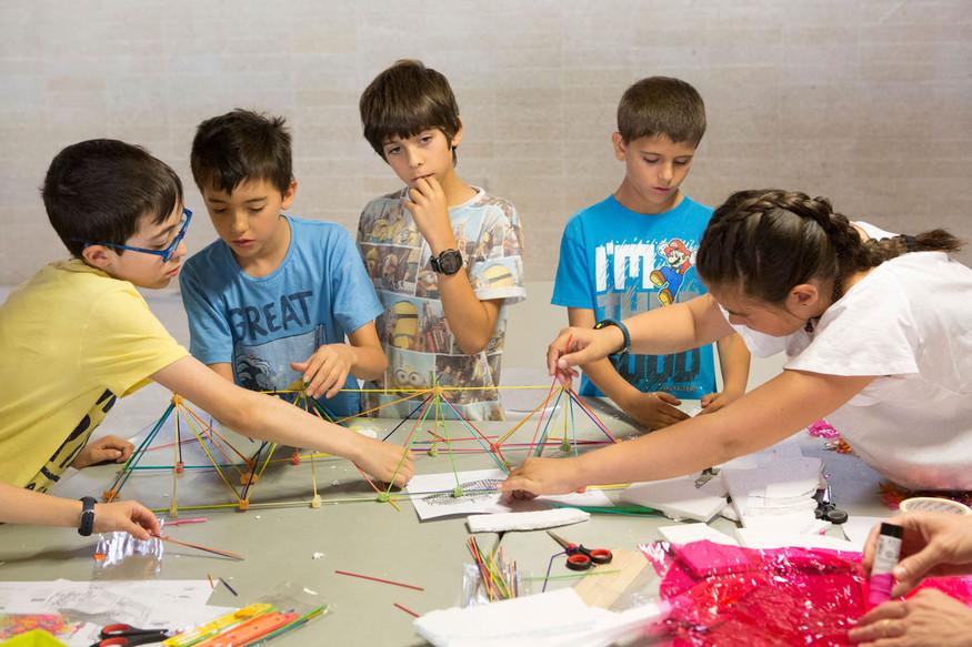 Taller infantil Coam_ Reconstrucción de Notre Dame vista por los niños
