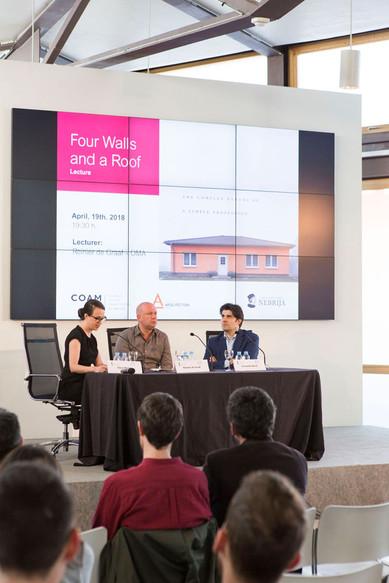 Reinier de Graaf Presentación Coam Oma: Four Walls and a Roof