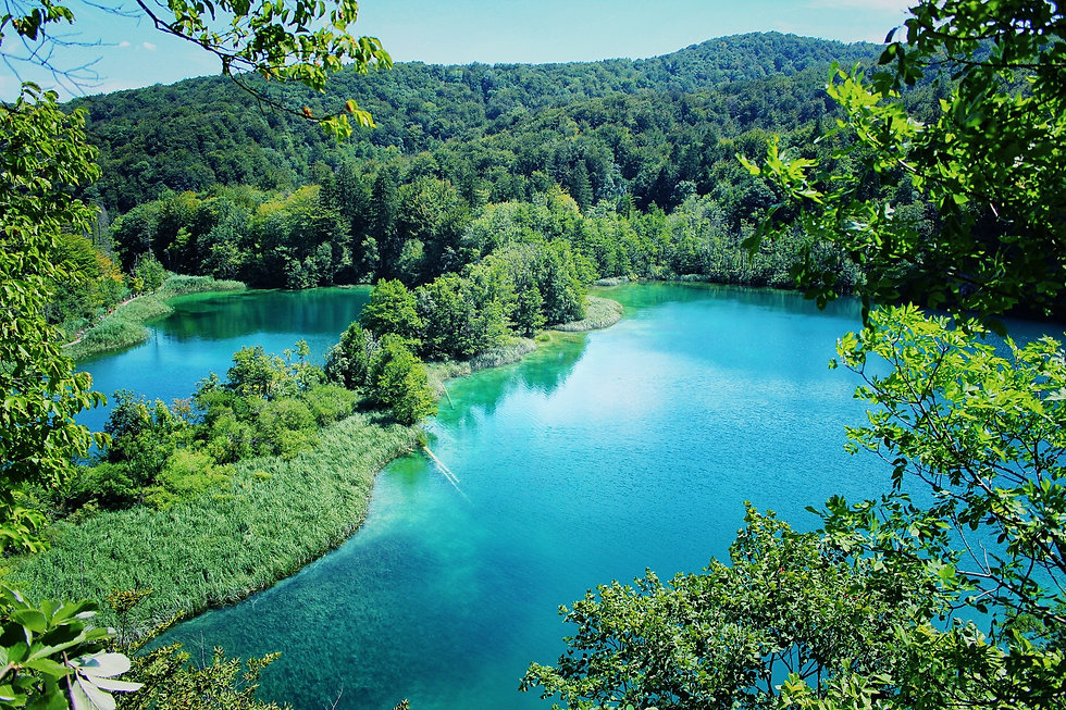 lake-1272663_1920.jpg
