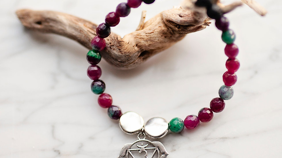 Red & Green Quartz Diffuser Bracelet