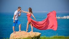 Платья со шлейфом и национальные костюмы в аренду на Кипре