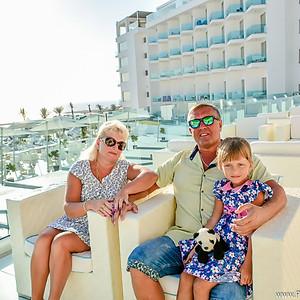 Семейная фотосессия в King Evelthon Beach Hotel and Resort