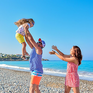 Семья в King Evelthon Beach Hotel and Resort