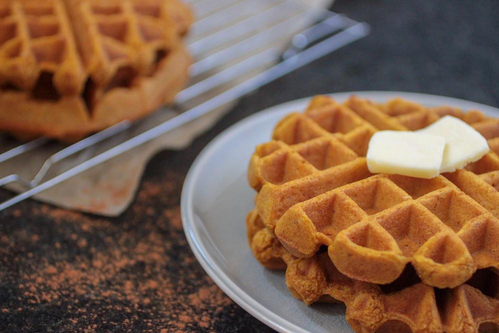Gluten free dairy free pumpkin spice waffles