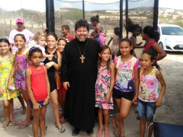 La Parroquia de San Juan Crisóstomo en Brasil celebró la Fiesta del Manto Protector de la Virgen, y