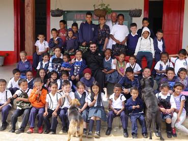 Obra social para los niños necesitados, en Medellín, Colombia