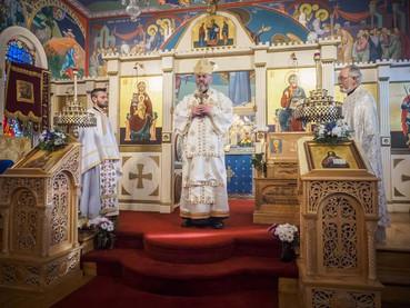 El Obispo Kirilo visitó los santuarios en el norte de California (EEUU)