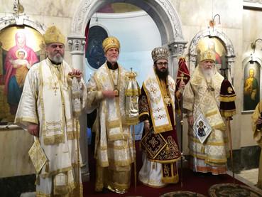 Matutinos del Sabado Santo: Obispos Ortodoxos de Argentina celebraron juntos en la Catedral Antioque