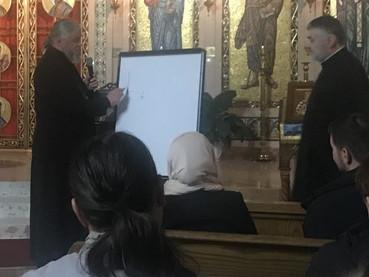 OBISPO MATEMÁTICO, CON LA AYUDA DE UNA PIZARRA Y UN FIBRÓN DEMOSTRÓ LA EXISTENCIA DEL ESPÍRITU SANTO