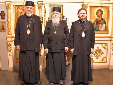 El Obispo Kirilo visitó al Obispo Leonid del Patriarcado de Moscú