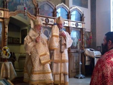 El Domingo del Apóstol Tomas - ANTIPASCUA - el Obispo Kirilo concelebró la Liturgia con el Obispo Ju
