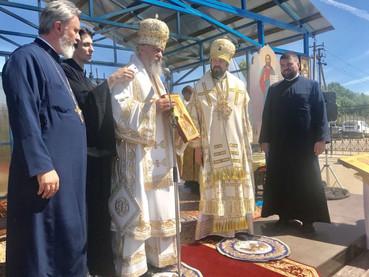 Su Eminencia Obispo Kirilo en San Petersburgo participó de la colocación de la Piedra Fundamental do