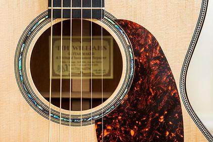Tim_Williams_Guitars_01.jpg