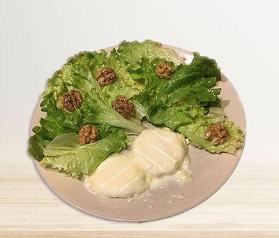 Salade de chèvre frais aux noix