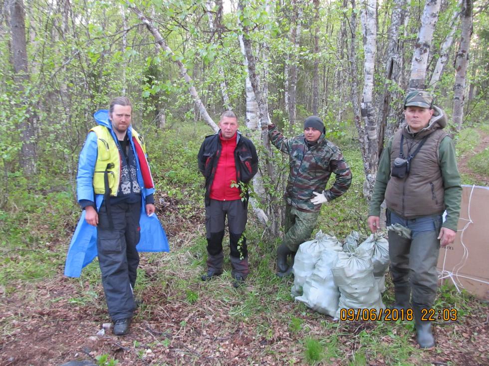 Проведен субботник - 8 мешков мусора Межводье