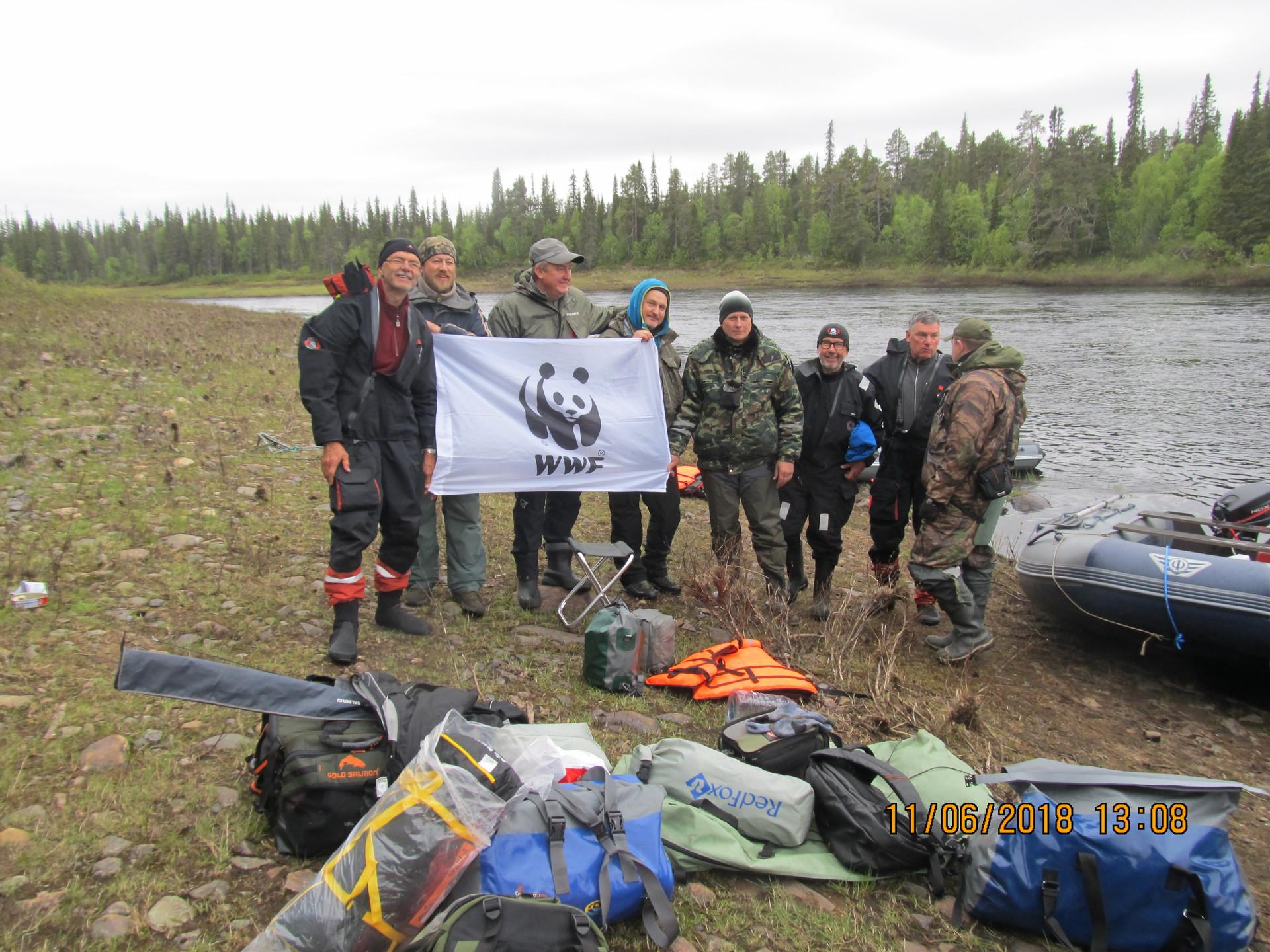 Варзуга туристы поддерживают WWF