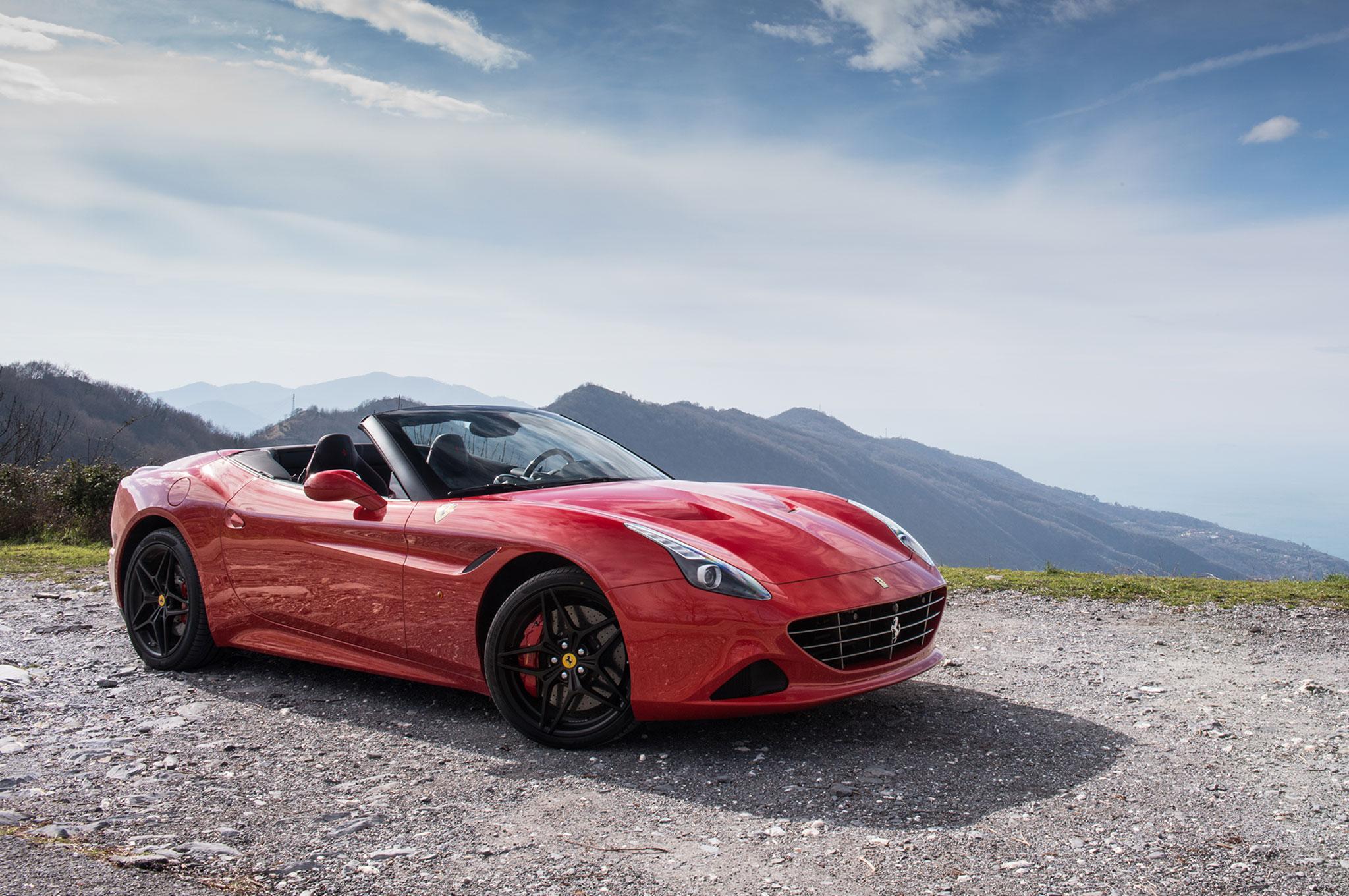 2017-Ferrari-California-T-Handling-Speciale-front-three-quarter-02