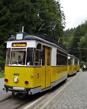 the-tram-2821010_1920.jpg