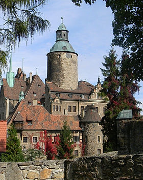 castle-778934_1280 (1).jpg