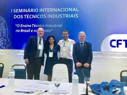 Diretoria e Conselheiros do CRT-RS participam do I Seminário Internacional dos Técnicos Industriais