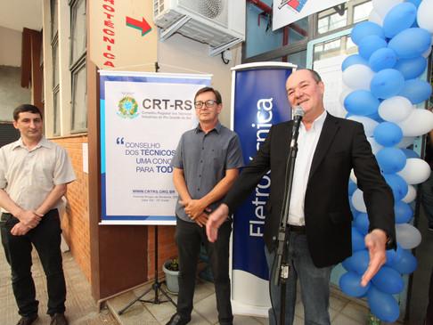 CRT-RS prestigia comemoração dos 50 anos do curso de Eletrotécnica do Liberato