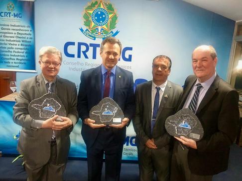 Presidente do CRT-RS Ricardo Nerbas e Deputado Federal Giovani Cherini são homenageados no CRT-MG