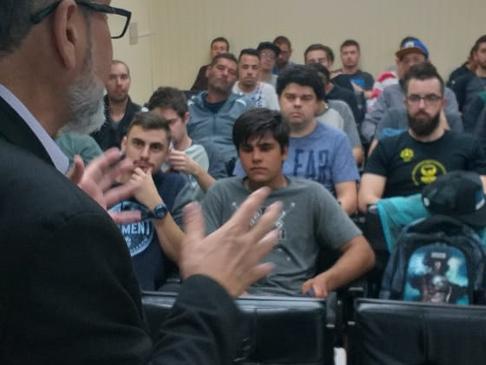 CRT-RS realiza palestra na Escola Estadual Prudente de Morais, em Osório