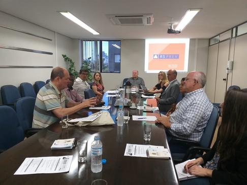 CRT-RS participa de reunião na FAMURS