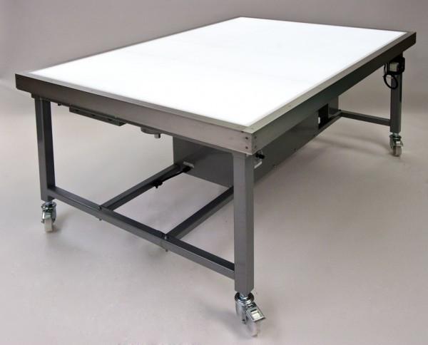 Sub-illuminated suction table