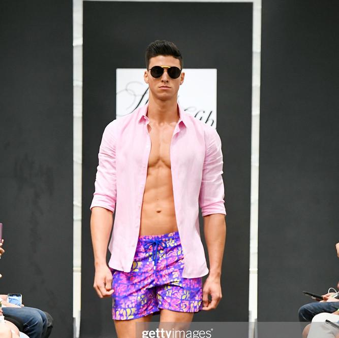 the best Wardrobe stylist Miami Anna Ruiz / Fashion stylist Miami Anna Ruiz