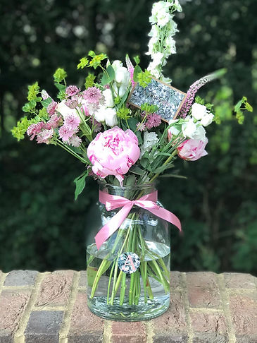 lewes_botanical_vase_floral_bouquet_pink