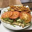 Poulet (7 pouces) servi avec frites