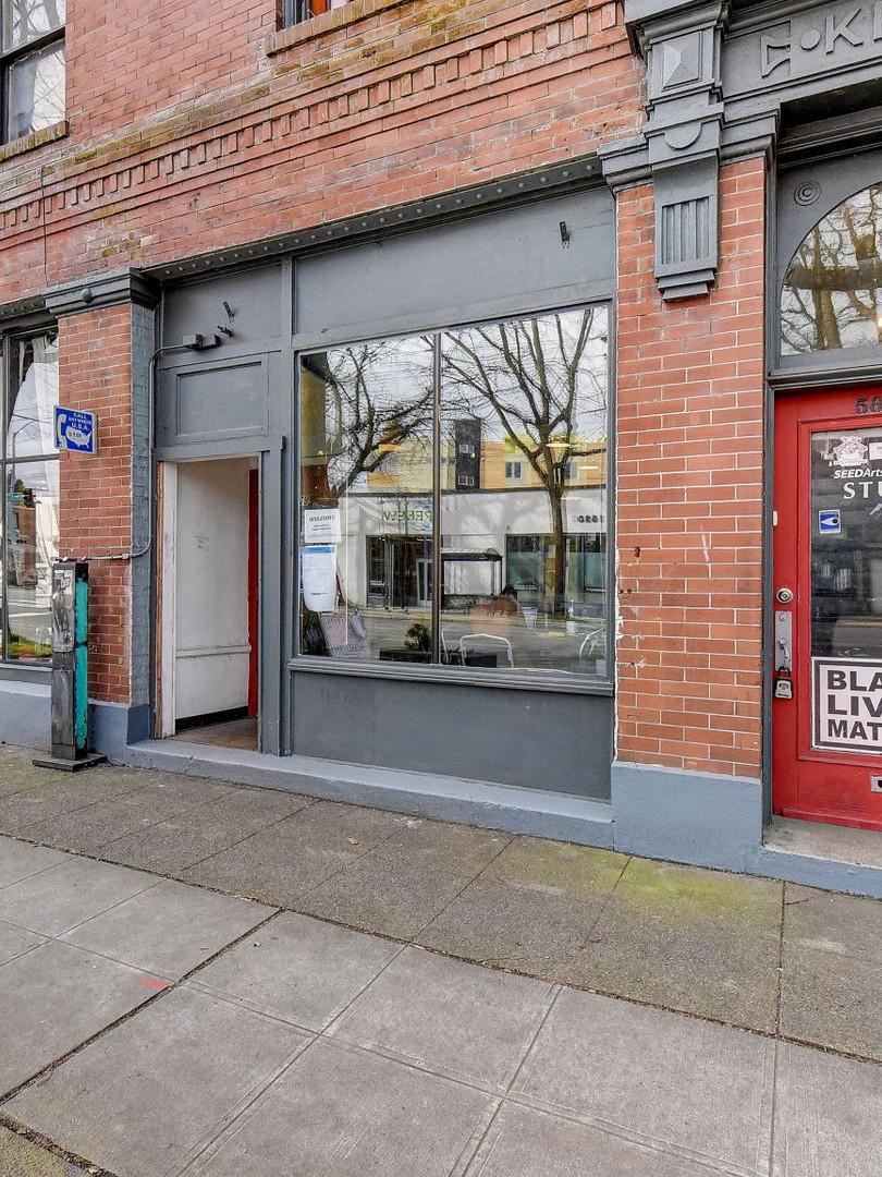 011_Side Entrance.jpg