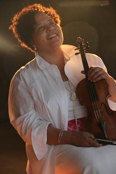 lesa terry with violin looking up.jpg