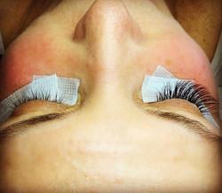 Before after Natural Look 3D volume lash extensions 🙌🏼 ECHELON AESTHETICS❣#permanentmakeupartist #