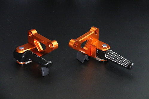 Z900RS タンデムステップKIT 【オレンジゴールド】ブラックバーセット