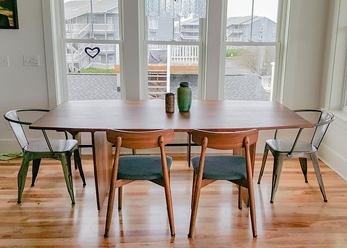 Wrightsville Dining Table